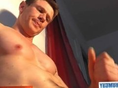 I's my favourite gym guy gets wanked his hard cock by me!