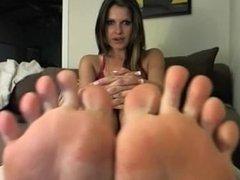 Feet Joi and tease