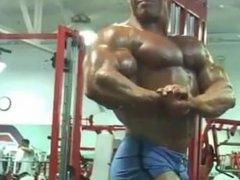huge bodybuilder worship workout