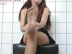 Luna Dirty Feet Lick