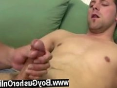 Sexy gay Bo just about pours out his stream as Ramon deep mouths him over