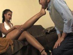 skin worshiping feet