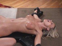 Sarah Naked Tickle