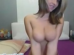 Gorgeus babe live webcam show in her room