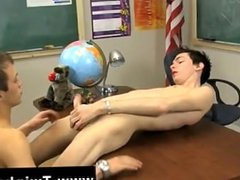 Hot gay sex Teacher is sitting at his desk looking so good. The student