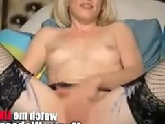Hot girls fingers and comes on camera