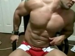 Dirty Talking Muscle Hunk on Cam