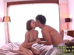 Japanese Girls enchant beautifull massage girl in bed room.avi