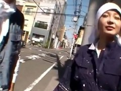 Japanese Girls entice jav mother at subway.avi