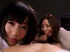 Japanese Girls entice jav young sister in living room.avi