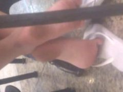 Candid soles Foot in shopping - Feet 37