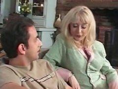 Video Porno Milf che seducono giovani ragazzi - Veronica Gentile