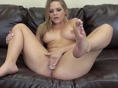 Alexis Texas masturbating