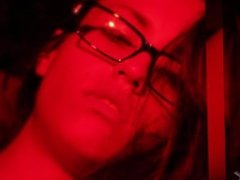 Kelsi Monroe Loves To Play With Her pussy Under Red Lighs