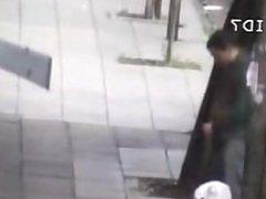 Flagra de punheteiro na rua