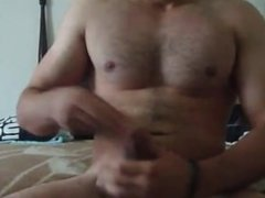 Dude jacking off on cam