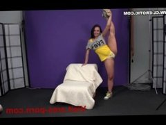 Valeria - Flexible Gymnast Pussy and Pose
