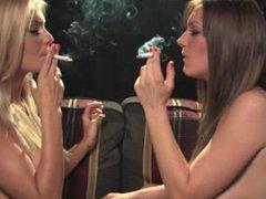 Jenn@ H0skins N@ta5h@ M@rl3y kissing and smoking