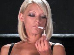 Lou Lou smoking