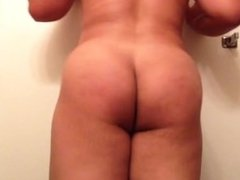 Big Ass gay 19 yo booty clapping