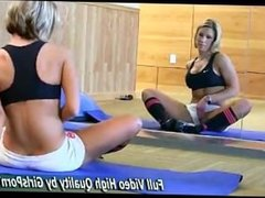 Fit Girl flashes in public GYM