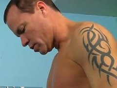 Gay fuck Dakota Knox is a stunning twink with a super-steamy butt in need