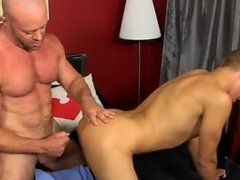 Hot gay sex Blade is more than blessed to share his youngster dick and