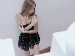 Krystal Boyd Plays In The Stairs