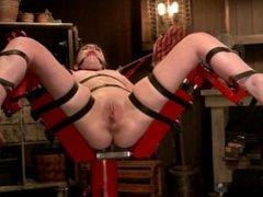 slave girl Juliette March on fucking machine