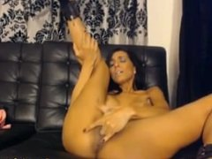 Hot Busty Babe Rubbing her Clit to Orgasm