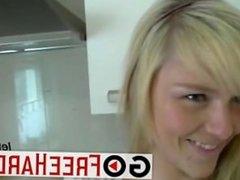 Blonde deutsche schlampe in der kuche gefick