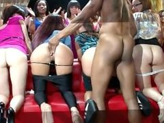 6 VERy HOT Party Girls play nakes with her pussy´s !!