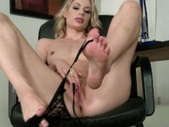 beautifull marilyn cole solo and her sexy feet