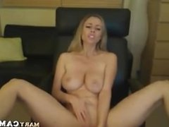 Amateur blonde girl play with her dildo on webcam