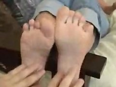 Brunette loves her feet tickled