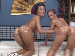 Hot Nicole and Alines lesbian scissor sex live on webcam
