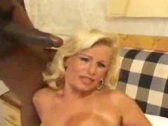 SEXY MATURE BLONDE TAKE A GIGA BLACK COCK IN HOSTEL !!!!!!!!