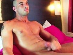 Testing his cock: Fabio, huge cock get shaked!
