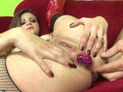 Big ass brunette enjoys raunchy anal sex