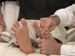 Christian fitt feet worship