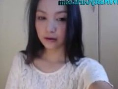 Hot Asian Webcam GIrl Plays F