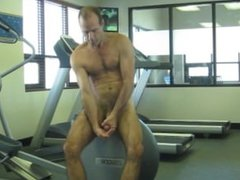 JERKOFF AT THE GYM AND EAT CUM