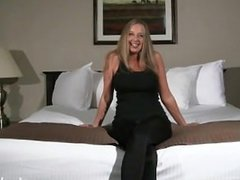 MILF Melinda does her first shoot