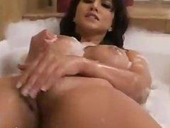Sunny Leone Fucking Her Pussy