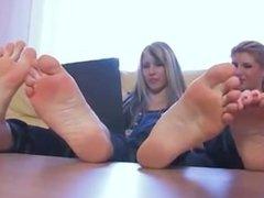 2 Girls Hot Feet