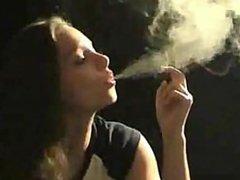 Lynn smoke cigar