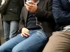 Chico Caliente En El Metro