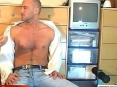 Casting for a real straight guy: David serviced !