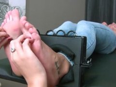 Tickling-Submission - Incredibly ticklish feet