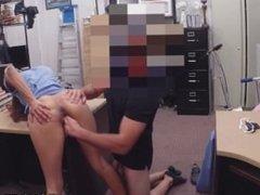 Desperate pornstar walked away with a facial